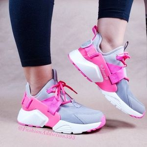 Nike Air Huarache City Low Gray pink sneakers
